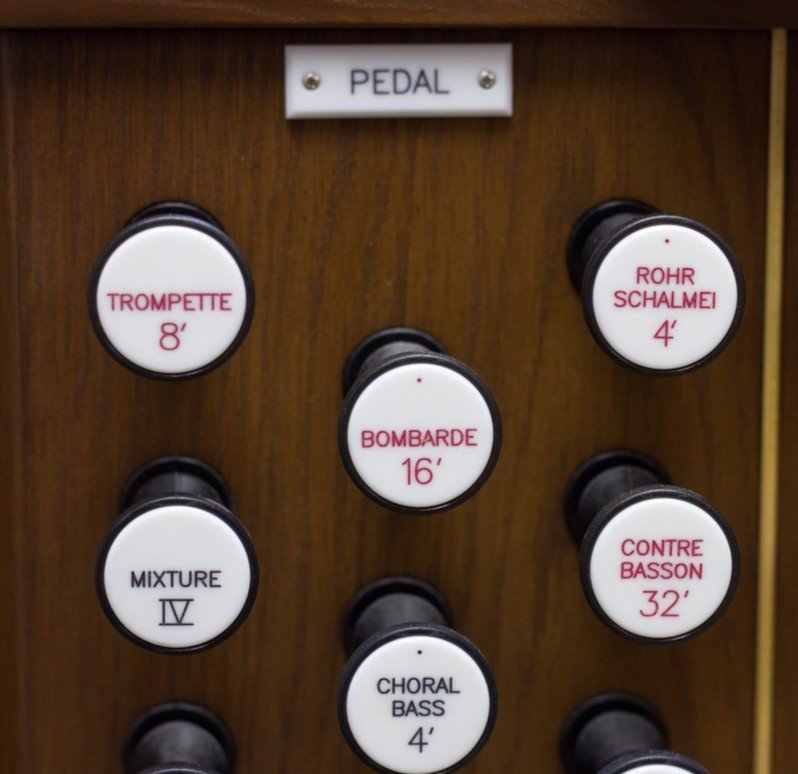 Some organs have 32 pedals!