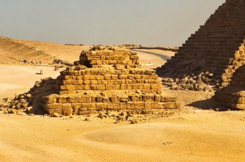 Broken down pyramids reveal construction