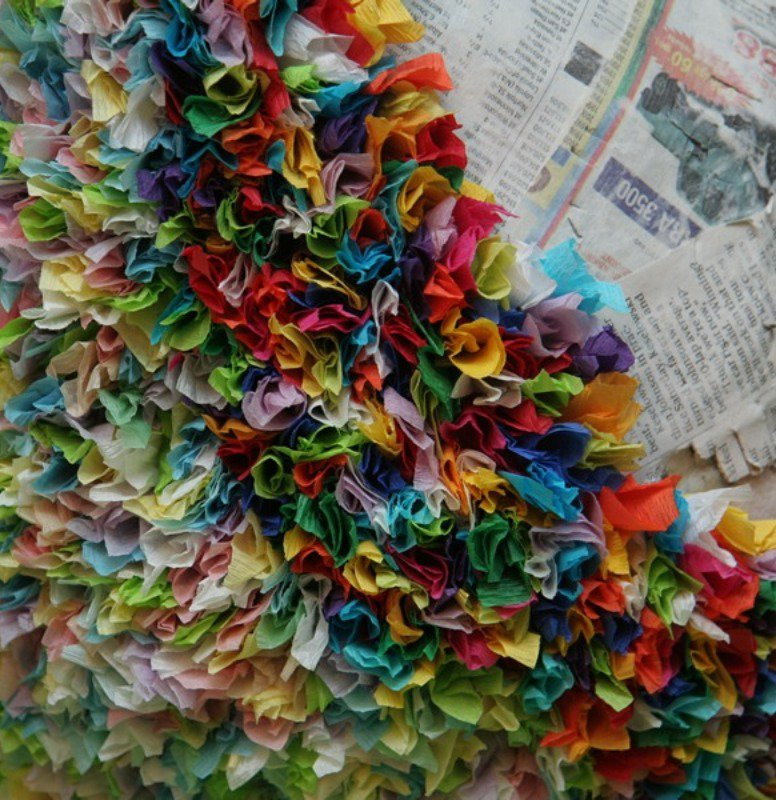You can twist the tissue paper like this