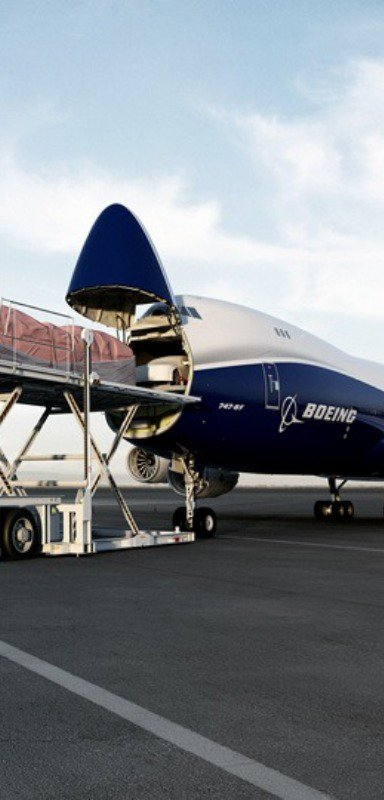 Loading a Boeing