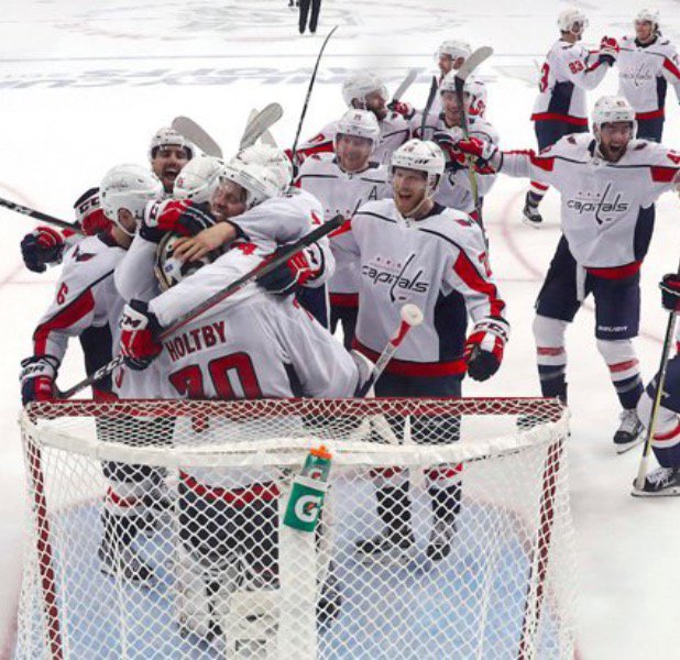 The Capitals celebrate advancing to the finals for the first time in 20 yrs
