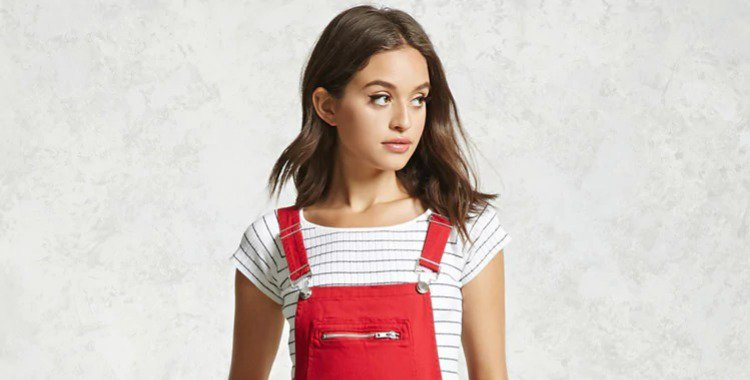 Even women in fashion are wearing painter's overalls now!