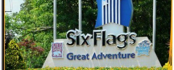 Entrance to Six Flags Great Adventure park