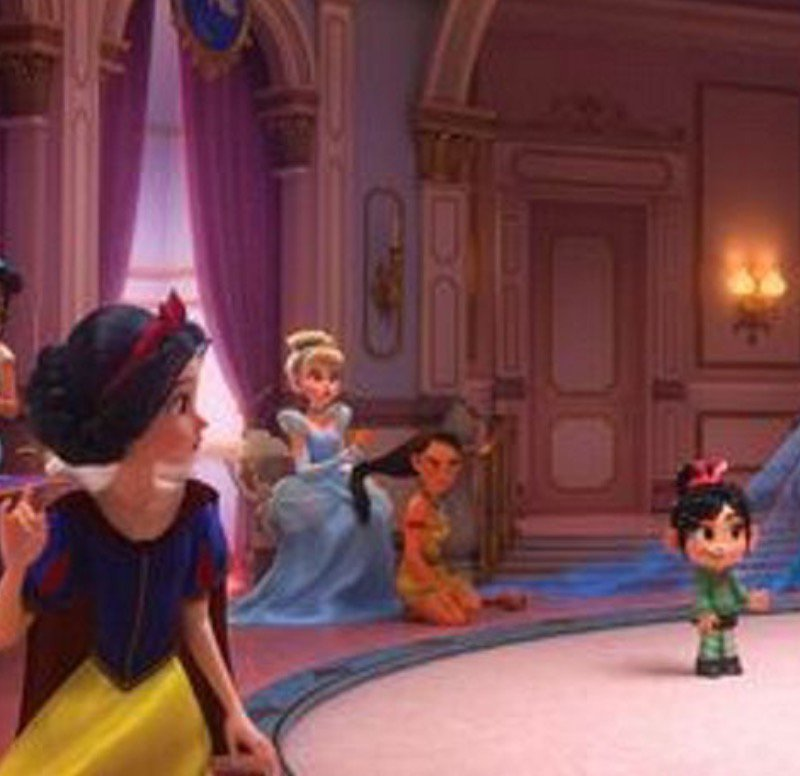 Vanellope meets the Disney Princesses in the trailer.