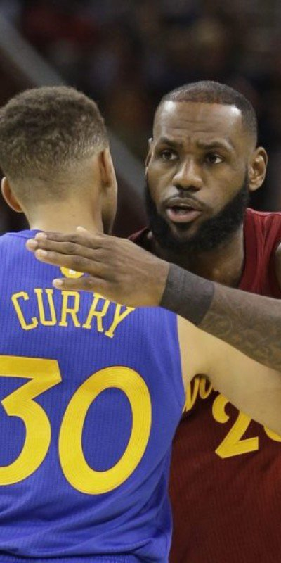 Sportsmanship between Curry and LeBron.